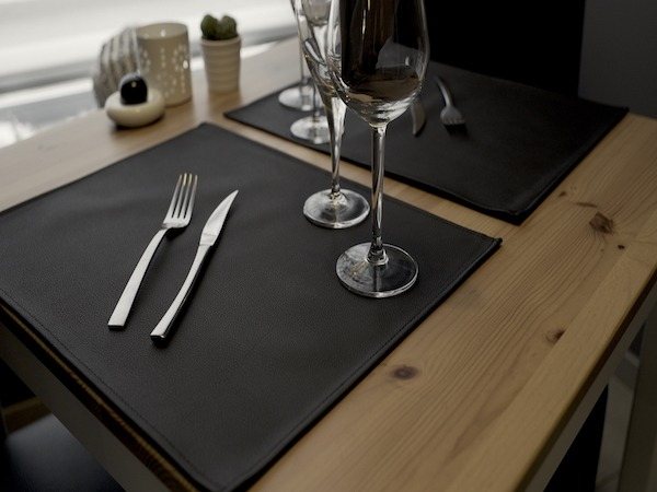 Set de table classic simili cuir noir